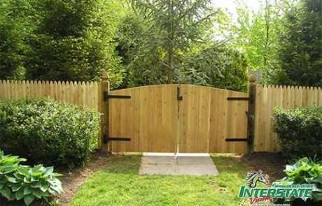 Wood-Continuos-Denver-Double-Drive-Gate-with-Stoc