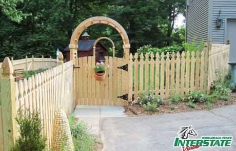 Wood-Maryland-Fence-with-Arbor