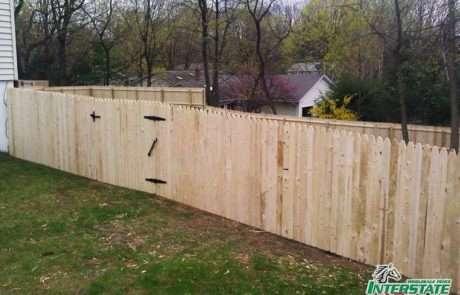 Wood-Spruce-Stockade-Fence-n-Gate-2