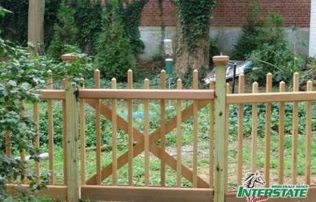 Wood-Staggered-Illinois-Walk-Gate